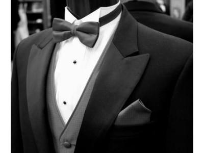 Какой аксессуар подобрать для выпускного костюма?